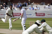 Cricket. England vs Bangladesh 1st test day 2. Eion Morgan, Shahadat Hossain — Stock Photo