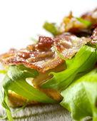 Toast con bacon e lattuga — Foto Stock