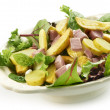 Fresh salad with baked potatoes and roasted beef sideview — Stock Photo