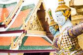 Giants statue at wat pra keaw in Bangkok Thailand — Stock Photo