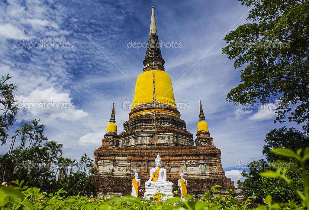 Wat Yai Chai Mongkhon — Stock Photo © zheliosz #31289585