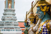 Giants statue at wat pra keaw in Bangkok Thailand — Stock Photo