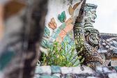 Jätte, titan staty i wat arun i thailand. — Stockfoto