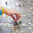 Predict,Cast lots with Thai coins. — Stock Photo #32685437