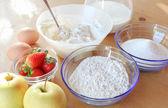 Kek pişirme için malzemeler — Stok fotoğraf