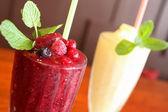 Mix berry juice with ice — Stock Photo