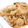 Pad se ew, Stir fried flat rice noodles with oyster sauce. — Stock Photo