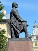 Monument to Mikhail Lomonosov in St. Petersburg — Stock Photo
