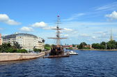 Frigate Flying Dutchman and Peter and Paul Fortress — Stock Photo