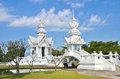 знаменитая белая церковь в ват ронг кхун, провинции чианг рай, северной — Стоковое фото