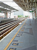 небо станции наземного метро в бангкоке, thaialnd — Стоковое фото
