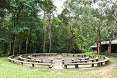 Sede del circolo per il campeggio nella foresta — Foto Stock