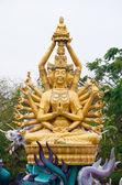 Statua di Bodhisattva con drago — Foto Stock