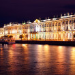 Dvortsovaya embankment at night. Saint Petersburg — Stock Photo