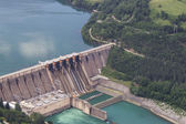 Dam of hydroelectric power plant — Stock Photo