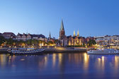 Bremen, Germany - Schlachte-Riverside and Martini-Church in the evening — Stock Photo
