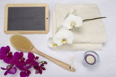 Wellness - Bath brush, towels and decoration with slate — Stock Photo