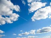 Nubi con aeromobili — Foto Stock