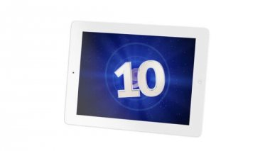 Tablet 4:3 countdown from 10 to 1 with greenscreen for your video — Stock Video