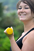 Fitness woman in the park — Stock Photo
