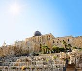 De koepel van de al-aqsa moskee op de tempelberg in jeruzalem — Stockfoto
