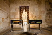 Sculpture of righteous Anna and the Virgin MaryThe Basilica Of St. Anne (Jerusalem) — Stock Photo