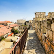 View from the walls of ancient Jerusalem  to neighborhoods and city rooftops — Stock Photo