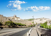 View from a road near the Al Aqsa Mosque in Jerusalem and the Mount of olives — Stock Photo