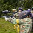 Aim paintball players — 图库照片