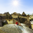 Girl posing on top of a cliff in Cappadocia, Turkey — Stock Photo