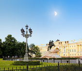 White nights in St. Petersburg. Monument to Peter the Great at Moonlight night — Stock Photo
