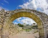 Ancient stone arch. ancient Chersonesos — Stock Photo