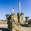 Girl posing amid the ruins of Carthage — Stock Photo