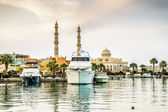 Yachts berthed at the port of Hurghada, Hurghada Marina at dusk — Stock Photo