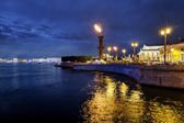 Rostral columns lit by illumination of the white nights at dawn — Stock Photo