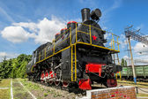 Old steam locomotive on the pedestal in the Yelets  locomotive D — Foto Stock
