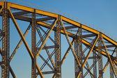 Stahlbau im Lichte der Sonnenuntergang — Stockfoto