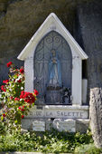 Small statue of the Virgin in France — Stock Photo