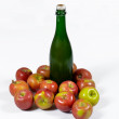 Apple and bottle of cider. — Stock Photo