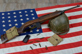 Usm1 carbine with military helmet — Photo