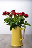 Bouquet of roses in a vase — Stock Photo