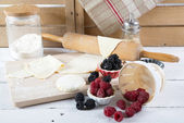Preparation for cake with berries — Foto de Stock
