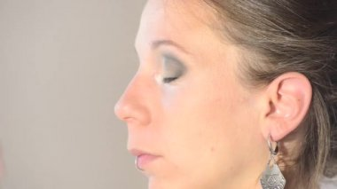 For preparation of the eye makeup — Stock Video