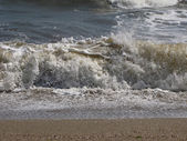 Splashing waves on the beach - Bulgarian seaside landscapes - Sinemorets — Foto Stock