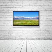TV con montagna — Foto Stock