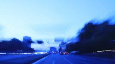 Miasto jazdy na wschód. — Wideo stockowe