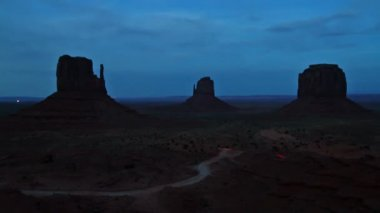 Monument valley at night — Vídeo de stock