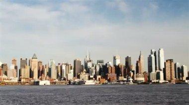 Manhattan siluetinin manzarasına — Stok video