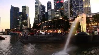 Merlion Statue in Singapore. — Stock video