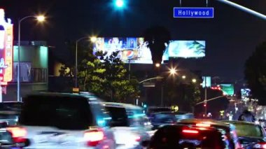 Time lapse of Hollywood boulevard traffic at night — Stock Video